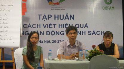 TS Trần Tuấn (giữa) cho rằng xã hội dân sự Việt Nam có xu hướng phát triển đi lên nếu nhìn lại ít nhất trong năm 5 vừa qua. corenarm.org.vn