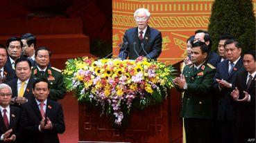 Tổng bí thư Đảng Cộng sản Việt Nam nói với truyền thông và báo giới dự Đại hội 12 rằng Đại hội đã làm việc và bầu bán nhân sự 'dân chủ đến thế là cùng'. Ảnh: AFP