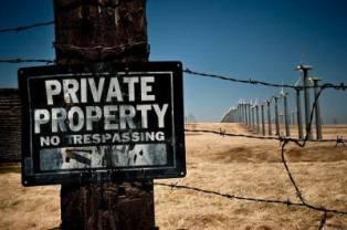 Khu đất thuộc tài sản riêng, không được vào. Nguồn: internet