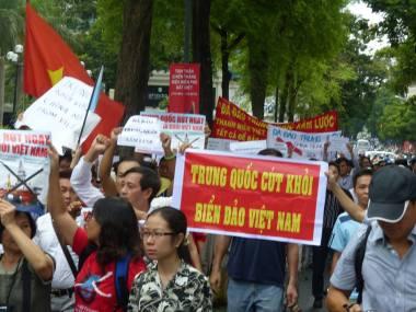 Người dân biểu tình chống Trung Quốc. Nguồn: internet