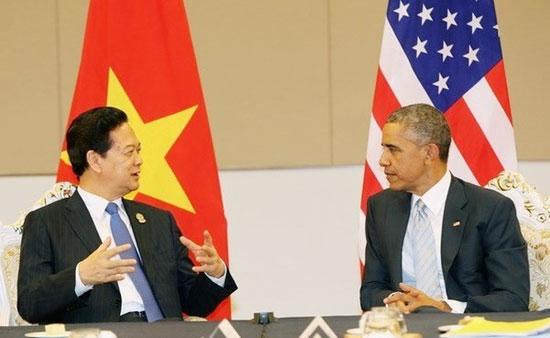 Thủ tướng Nguyễn Tấn Dũng gặp chính thức Tổng thống Mỹ Barack Obama, bên lề Hội nghị Cấp cao ASEAN lần thứ 25 và các hội nghị liên quan. Ảnh: TTXVN