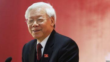 Tổng bí thư Đảng Cộng sản Việt Nam trao đổi với truyền thông sau buổi lễ bế mạc Đại hội Đảng toàn quốc, ngày 28/1/2016. Ảnh: Reuters