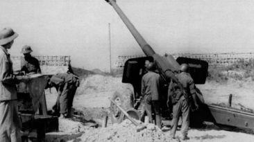 Sử gia Việt Nam thừa nhận với truyền thông sách giáo khoa viết về cuộc chiến biên giới Việt - Trung 1979 và xung đột biên giới biển đảo đã bị chỉ đạo rút ngắn thời lượng từ nhiều trang viết xuống vài dòng. Photo: Getty