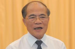 """Chủ tịch Quốc hội Nguyễn Sinh Hùng: """"Thủ tục hành chính đối với dân giờ cay nghiệt, độc ác lắm"""". Ảnh: báo TN"""