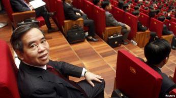 Thống đốc Ngân hàng nhà nước Nguyễn Văn Bình tham dự lễ khai mạc Đại hội đảng 12 tại Hà Nội, ngày 21/1/2016. Ảnh: Reuters