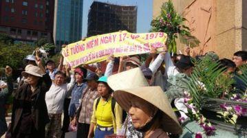 Các buổi lễ tưởng niệm liệt sĩ hy sinh chống Trung Quốc tại Hà Nội và TP Hồ Chí Minh thường bị an ninh làm khó dễ. Nguồn: Facebook.