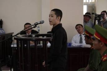 Nguyễn Mai Trung Tuấn trong phiên tòa phúc thẩm. Nguồn: internet