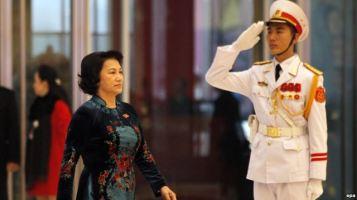 Bà Nguyễn Thị Kim Ngân đã trở thành nữ chủ tịch quốc hội đầu tiên của Việt Nam sau khi nhận được tới 95% số phiếu tán thành của các nhà lập pháp.