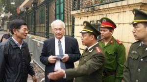 Dân biểu Quốc hội Liên bang Đức Martin Patzelt trước tòa án Hà Nội