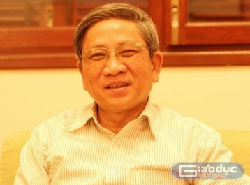 GS.TS Nguyễn Minh Thuyết chỉ rõ, người dân đang thiếu thông tin để bầu Đại biểu Quốc hội, Đại biểu Hội đồng nhân dân. ảnh: Ngọc Quang.