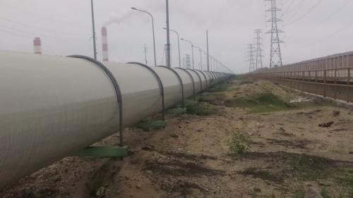 Hệ thống ống dẫn nước kéo dài. Ảnh: T.Hoa/ NĐT