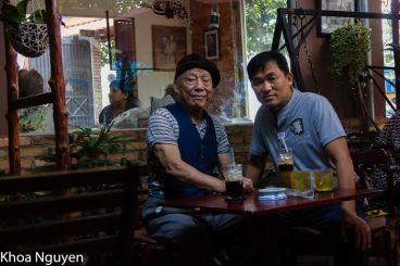 Thầy Nguyễn Thanh Thu và học trò Nguyễn Tuấn Khoa. Ảnh tác giả gửi tới.