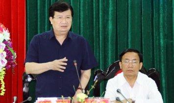 Phó thủ tướng Trịnh Đình Dũng chủ trì cuộc làm việc với các cơ quan để khắc phục vụ cá chết ở Hà Tĩnh