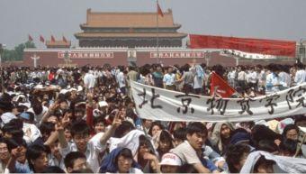 Người dân TQ biểu tình ở Thiên An Môn. Nguồn: internet