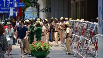 Các nhà hoạt động cáo buộc công an mạnh tay ngăn biểu tình trong các ngày Chủ nhật vừa qua. Ảnh: internet