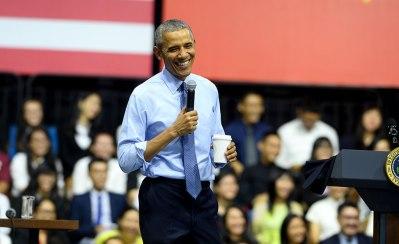 TT Obama trong buổi trò chuyện với các thành viên YSEALI sáng 25/5/2016