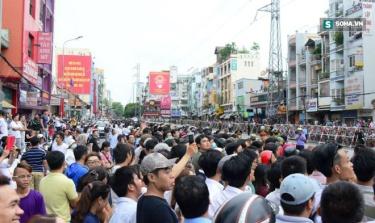 Người dân Sài Gòn xuống đường đón TT Obama.