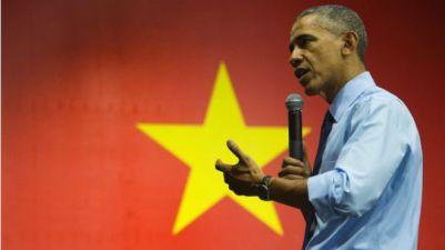 Trong chuyến đi đến Việt Nam, ông Obama cũng nhiều lần nhắc đến việc hỗ trợ khắc phục hậu quả chiến tranh. Ảnh: Getty.