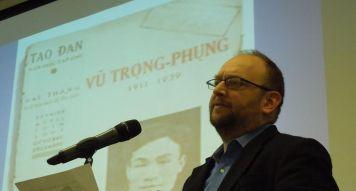 Giáo sư Peter Zinoman giới thiệu Văn Cao, Trịnh Công Sơn vào diễn văn của Tổng thống Barack Obama (ảnh Bùi Văn Phú)