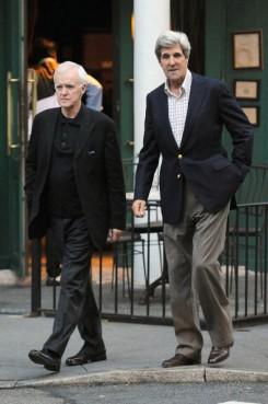 Bob Kerrey và John Kerry ở TP New York. Ảnh: internet