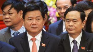 Bí thư thành ủy TP.HCM Đinh La Thăng (đeo cà vạt đỏ). Ảnh: Reuters.