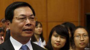 Cựu Bộ trưởng Công thương Vũ Huy Hoàng, vừa rời chức vụ cách đây 2 tháng, đã bị chất vấn về việc đưa con trai là Vũ Quang Hải vào các vị trí lãnh đạo trong bộ và trong doanh nghiệp nhà nước. Ảnh: Reuters.