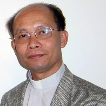Lm Phêrô Nguyễn Văn Hùng, Trưởng Văn phòng Trợ giúp Pháp lý cho Công nhân và Cô dâu Việt ở Đài Loan. Ảnh: TMCNN