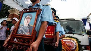 Tang lễ Đại tá Trần Quang Khải ở Nghệ An hôm 20/6. Ảnh: AFP