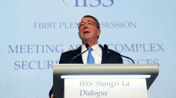 Bộ trưởng Ash Carter nói Hoa Kỳ sẽ tiếp tục bảo trợ an ninh khu vực châu Á-Thái Bình Dương trong nhiều thập niên. Ảnh: Reuters