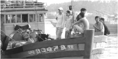 Tàu cá số hiệu QNg 90479 TS của thuyền trưởng Võ Văn Lựu gặp nạn trên biển.