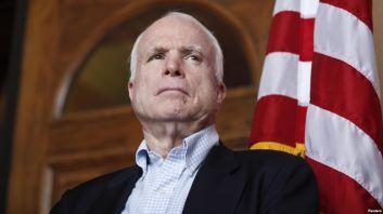 Thượng nghị sĩ Mỹ John McCain lên tiếng ngay sau khi Tòa Trọng tài ra phán quyết về vụ kiện của Philippines hôm 12/7. Ảnh: Reuters