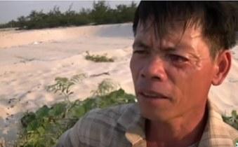 Ngư dân Hà Tĩnh trả lời phỏng vấn Đài Á Châu Tự Do sau thảm họa cá chết. RFA