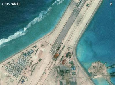 Một phần của đường băng Subi Reef © CSIS Asia Maritime Transparency Initiative/Digital Globe/Handout via Reuters