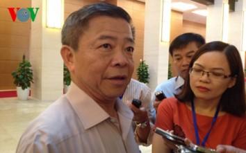 Ông Võ Kim Cự trả lời báo chí sáng nay (Ảnh: Lại Thìn)
