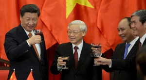Từ trái qua phải: Tập Cận Bình, Nguyễn Phú Trọng, Nguyễn Xuân Phúc, Đinh Thế Huynh tại Hà Nội, 05/11/2015. Nguồn: internet