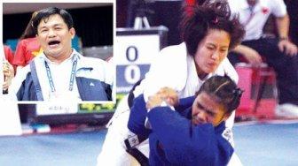 """Ông Nguyễn Mạnh Hùng (ảnh nhỏ bên trái) và Văn Ngọc Tú (áo trắng ảnh lớn) đến Olympic Rio 2016 """"mình ên."""" (Hình: VSI)"""