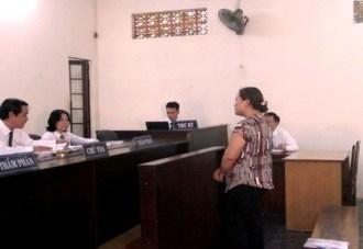 Bà Mai Thị Ngọc Vân tại phiên tòa phúc thẩm. Ảnh: báo ANTĐ