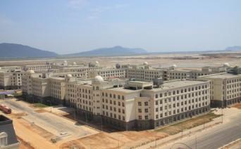 Một góc trung tâm hành chính - khuKÝ TÚC XÁ của Formosa đảm bảo chỗ ở cho hàng nghìn lao động.