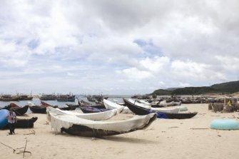 Hậu quả Formosa đang để lại là những bãi biển vắng hoe. Ảnh: ĐỨC NGỌC