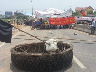 Người dân Quảng Bình xuống đường biểu tình hồi tháng 5 phản đối Formosa