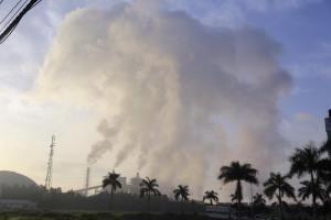 Đây là ảnh thể hiện rõ sự hùng vĩ của những cột khói này. Ảnh: FB Nguyễn Nữ Phương Dung