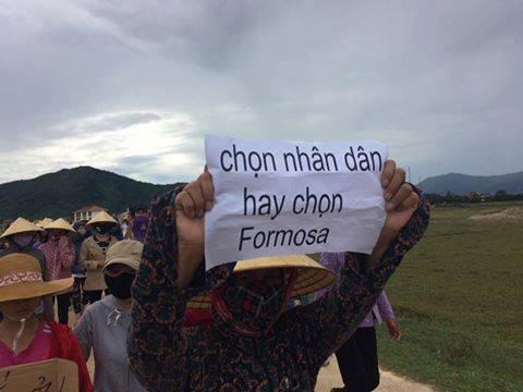 Người dân miền Trung xuống đường biểu tình sáng nay. Nguồn: FB Hiệp hội Ngư dân Miền Trung