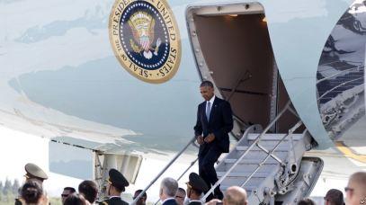 Tổng thống Obama xuống sân bay quốc tế ở Hàng Châu, Trung Quốc, thứ bảy 3/9/2016. Ảnh: AP