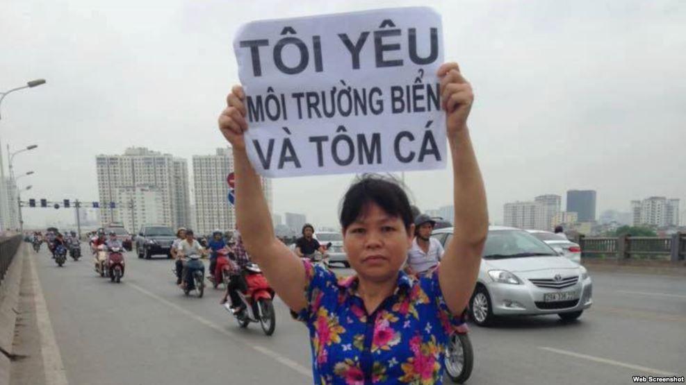 Bà Cấn Thị Thêu được nhiều người biết đến là một nhà hoạt động vì các quyền đất đai và môi trường. Ảnh chụp màn hình.
