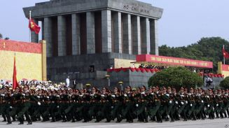 Lễ diễu binh, diễu hành mừng 70 năm Cách mạng Tháng 8 và Quốc khánh 2/9 ở Hà Nội, 2/9/2015. Ảnh: AP