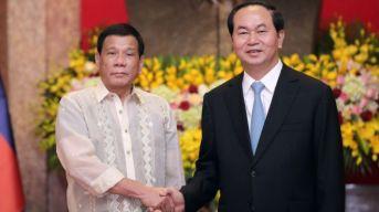 Hai nhà lãnh đạo gặp nhau tại Hà Nội ngày 29/9. Ảnh: Reuters.