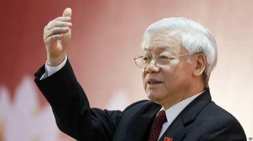 Tổng bí thư Nguyễn Phú Trọng mới lần đầu tiên tham gia đảng ủy công an Việt Nam. Ảnh: AP