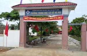 Trường THCS Hà Hải có 530 học sinh ngày khai giảng chỉ có 285 em tới lớp. Ảnh: Đức Hùng