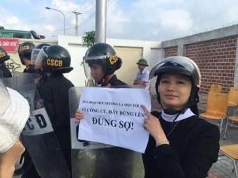 Ảnh chụp nữ tu xuống đường biểu tình phản đối Formosa hôm 2-10-2016. Nguồn: Facebook.