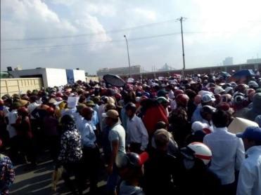 Hàng chục ngàn người dân xuống đường phản đối Formosa hôm 2-10-2016